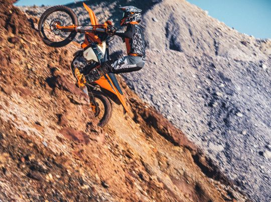 MOTORCYCLES KTM ENDURO MY22 381233_MY22KTM350EXC-F-CatB