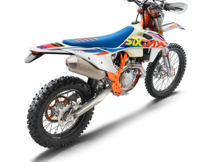 MOTORCYCLES KTM ENDURO MY22 386928_450EXC-FSixDays_rear_ri_MY22