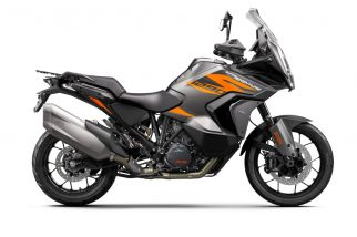 MOTORCYCLES KTM ADVENTURE MY21 1290ADV_S 370744_MY21KTM1290SUPERADVENTURES-90-Right