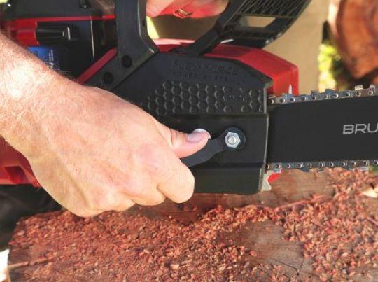 POWER_EQUIPMENT TORO 60v_range Chainsaw_2-556x371