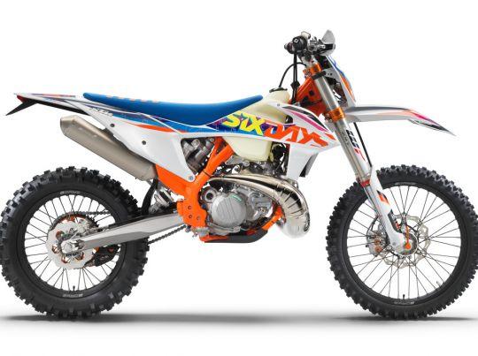 MOTORCYCLES KTM ENDURO MY22 386918_300EXC-TPISixDays_90de_ri_MY22