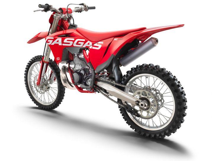 MOTORCYCLES GasGas MY22 MC MC250 16236_3237_MC250rearle_MY2021_FLAT2