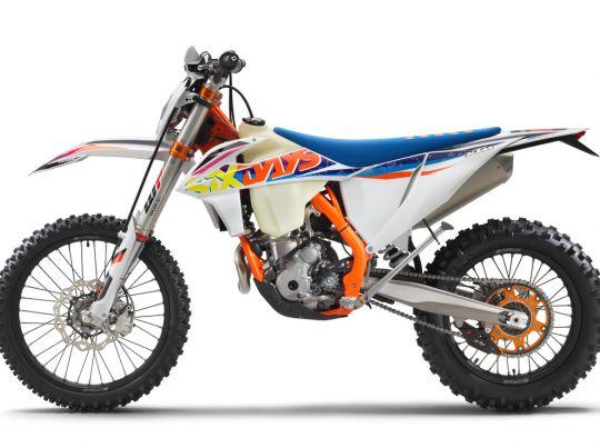 MOTORCYCLES KTM ENDURO MY22 386921_350EXC-FSixDays_90de_le_MY22