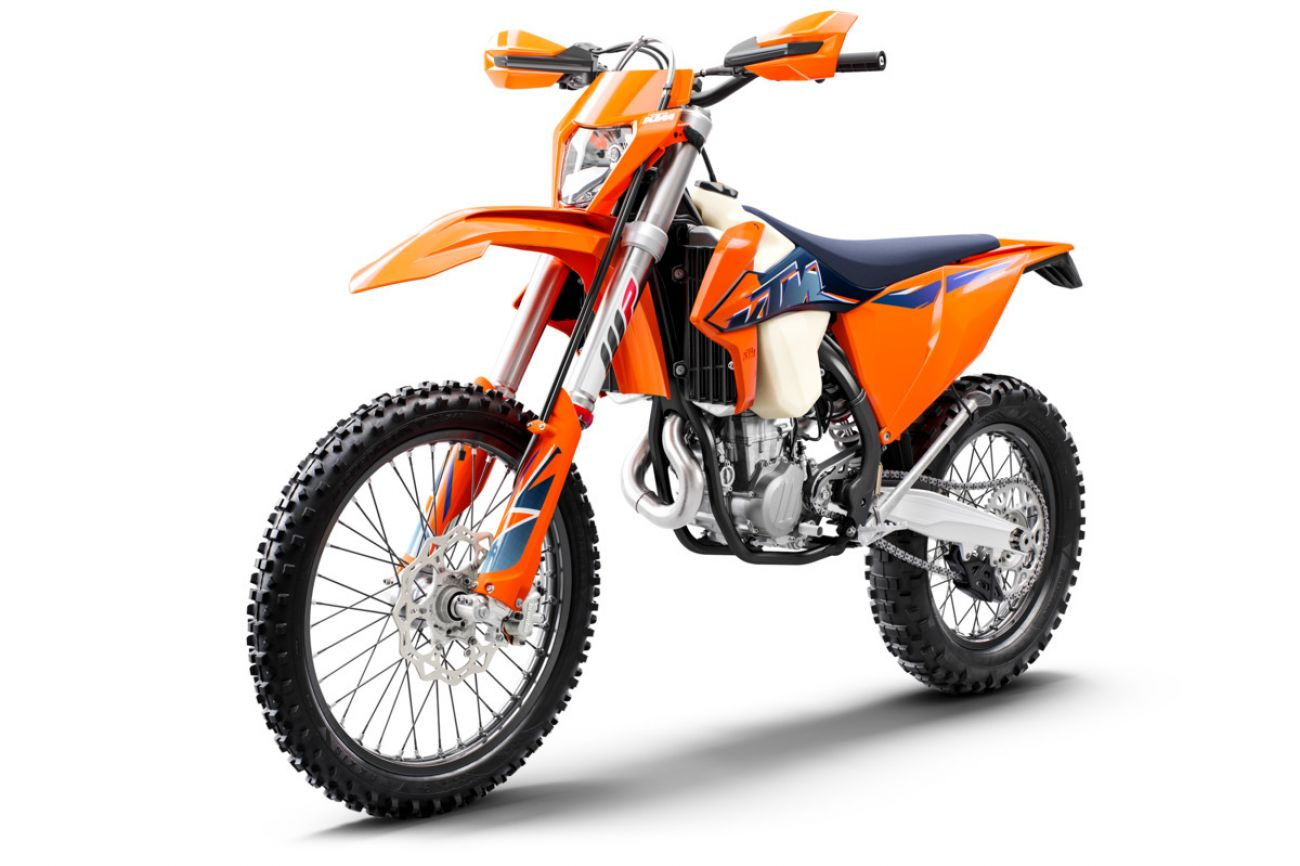 MOTORCYCLES KTM ENDURO MY22 378298_500EXC-FMY22Front-Left