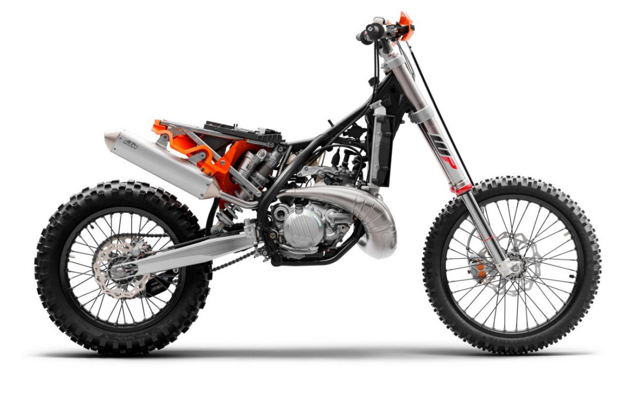 MOTORCYCLES KTM ENDURO MY21 300EXCTPI_4