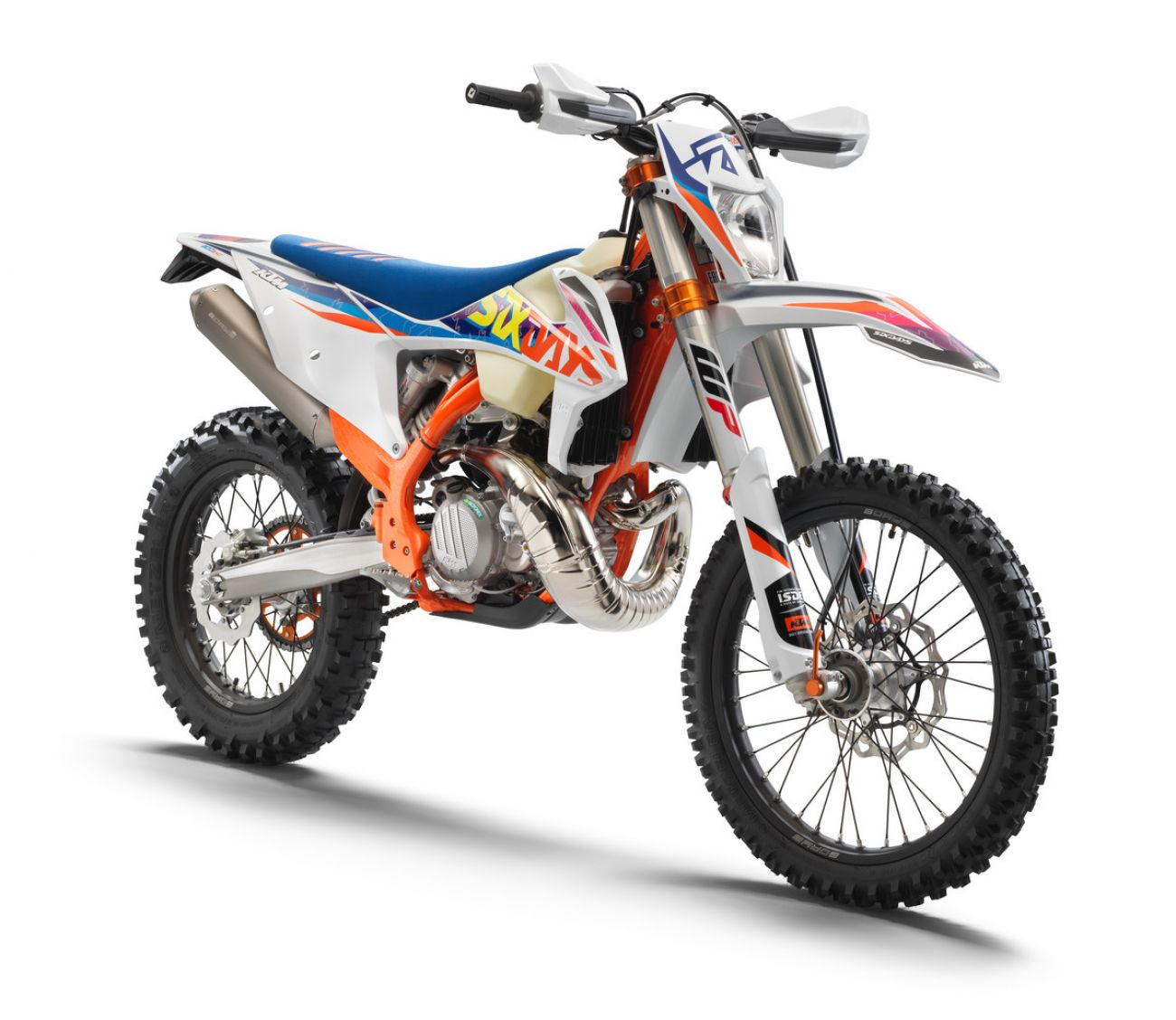 MOTORCYCLES KTM ENDURO MY22 386919_300EXCTPISixDays_front_ri_MY22