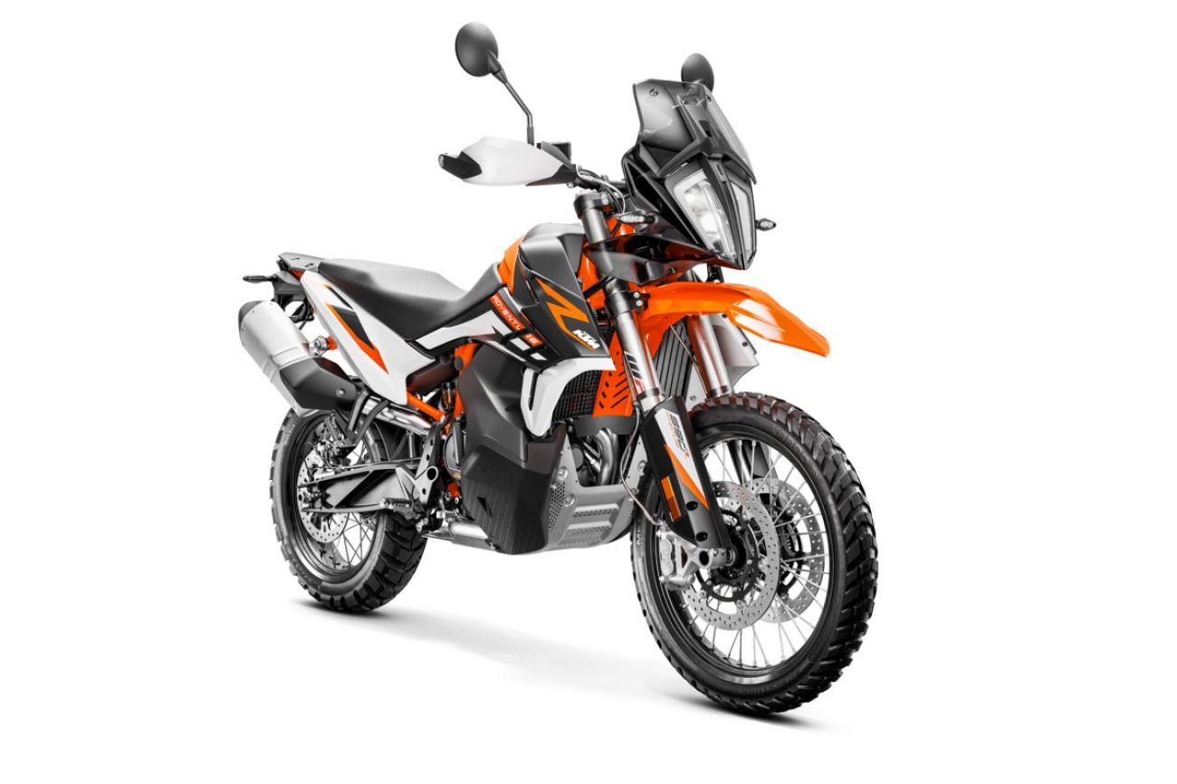 MOTORCYCLES KTM ADVENTURE MY21 890ADV_R 349180_890RAdventureMY21Front-RightMY21KTM890ADVENTUREModelRange-Studio