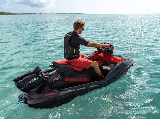 WATERSPORTS SEA-DOO_IMAGERY REC_LITE MY21 SEA_MY21_Spark_Trixx_action_DB_110920080908_lowres