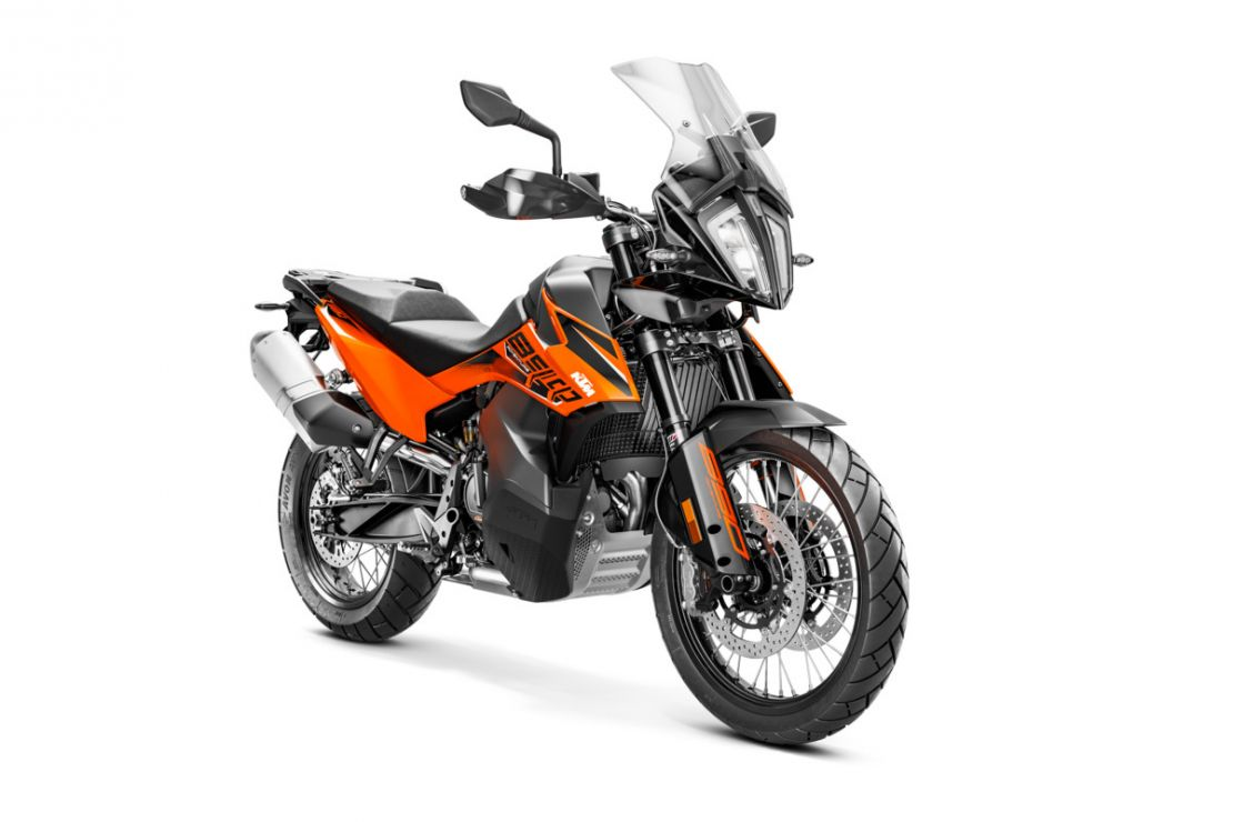 MOTORCYCLES KTM ADVENTURE MY21 890ADV 349192_890AdventureORANGEMY21Front-RightMY21KTM890ADVENTUREModelRange-Studio