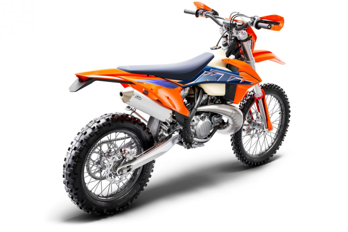 MOTORCYCLES KTM ENDURO MY22 378281_250EXCTPIMY22Rear-Right