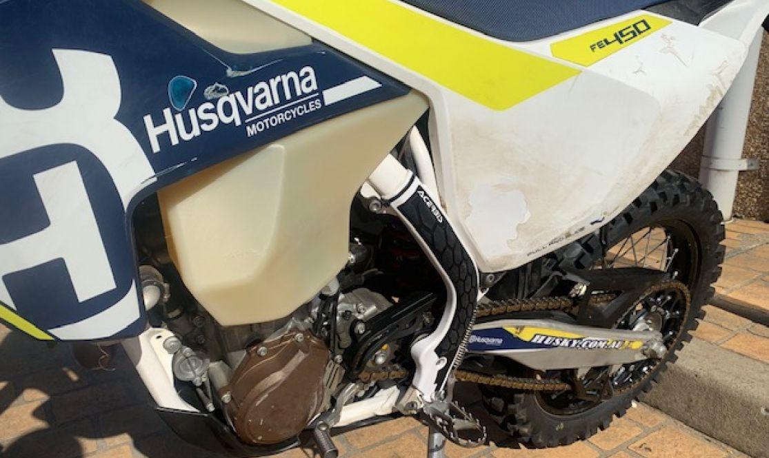 Left engine image