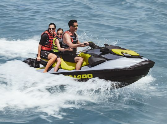 WATERSPORTS SEA-DOO_IMAGERY RECREATION MY21 SEA_MY21_GTI_SE_170_PAC_DB_Act_110920081335_lowres