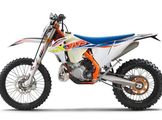 MOTORCYCLES KTM ENDURO MY22 386917_300EXC-TPISixDays_90de_le_MY22