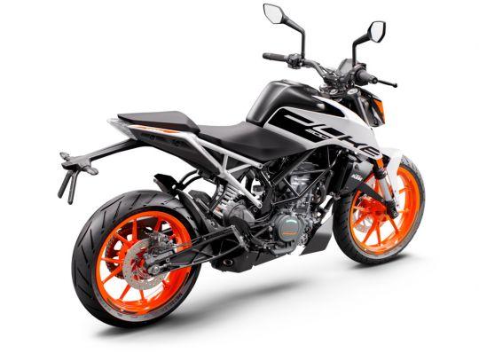 MOTORCYCLES KTM STREET MY21 DUKE_200 315783_200DukeADDITIONALMODELINSOMECOUNTRIES