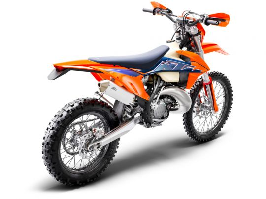 MOTORCYCLES KTM ENDURO MY22 378275_150EXCTPIMY22Rear-Right