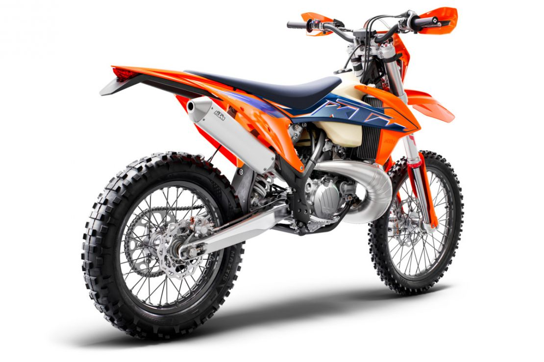 MOTORCYCLES KTM ENDURO MY22 378287_300EXCTPIMY22Rear-Right