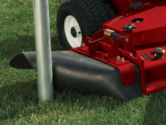 POWER_EQUIPMENT TORO PROFESSIONAL_ZERO_TURN RUBBERDISCHARGECHUTE