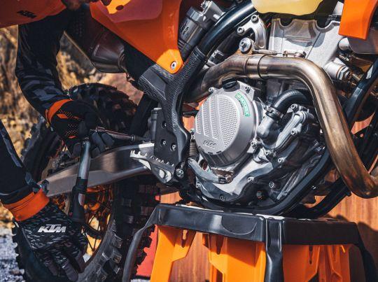 MOTORCYCLES KTM ENDURO MY22 381223_MY22KTM350EXC-F-CatB
