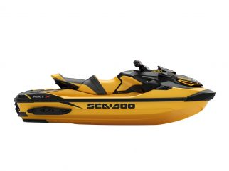 WATERSPORTS SEA-DOO_IMAGERY PERFORMANCE MY21 SEA_MY21_PERF_RXT_X_300_SS_Mil_180920142034_lowres-yellow