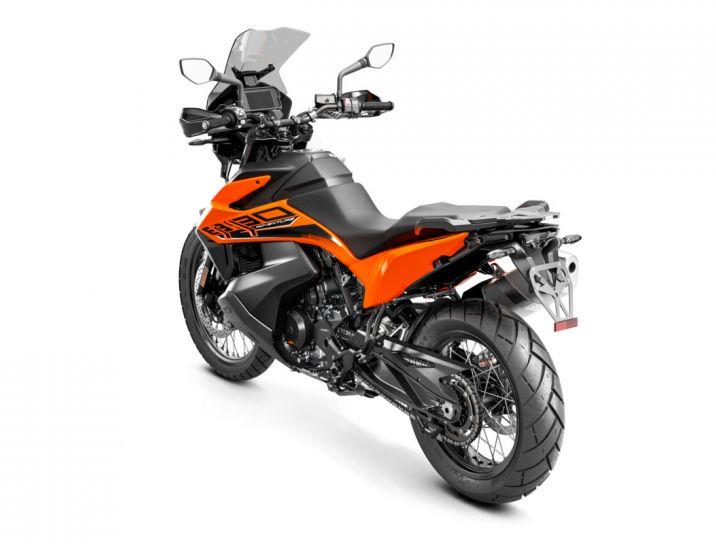 MOTORCYCLES KTM ADVENTURE MY21 890ADV 349193_890AdventureORANGEMY21Rear-LeftMY21KTM890ADVENTUREModelRange-Studio