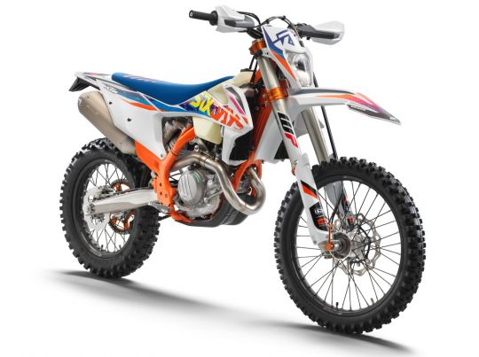 MOTORCYCLES KTM ENDURO MY22 386931_500EXC-FSixDays_front_ri_MY22